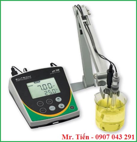 Máy đo pH để bàn pH 700 hãng Eutech phòng thí nghiệm